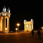 1024px-Propylaeum_on_the_central_embankment_of_Volgograd_002